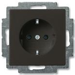 2013-0-5338 - Розетка с заземлением со шторками с безвинтовыми зажимами ABB Basic 55, (шато-черная)